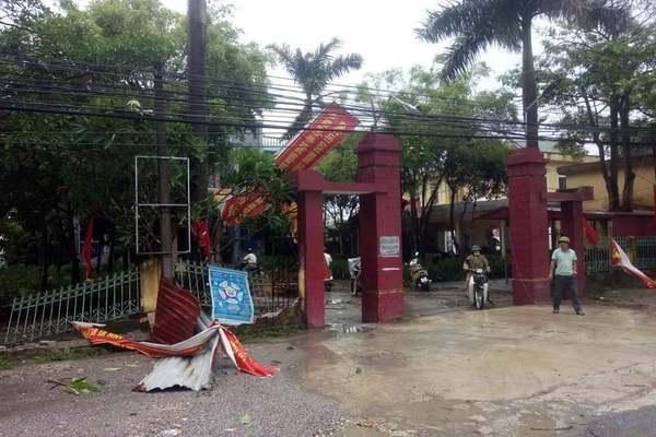 """Bão số 2 """"lướt qua"""" gây thiệt hại tại nhiều địa phương, vùng dịch Hà Tĩnh ngập lụt nghiêm trọng - Ảnh 8."""