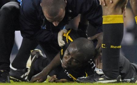 Lịch sử bóng đá thế giới từng chứng kiến cầu thủ đột quỵ trên sân, ngừng tim 78 phút và những diễn biến khiến cả thế giới nghẹt thở