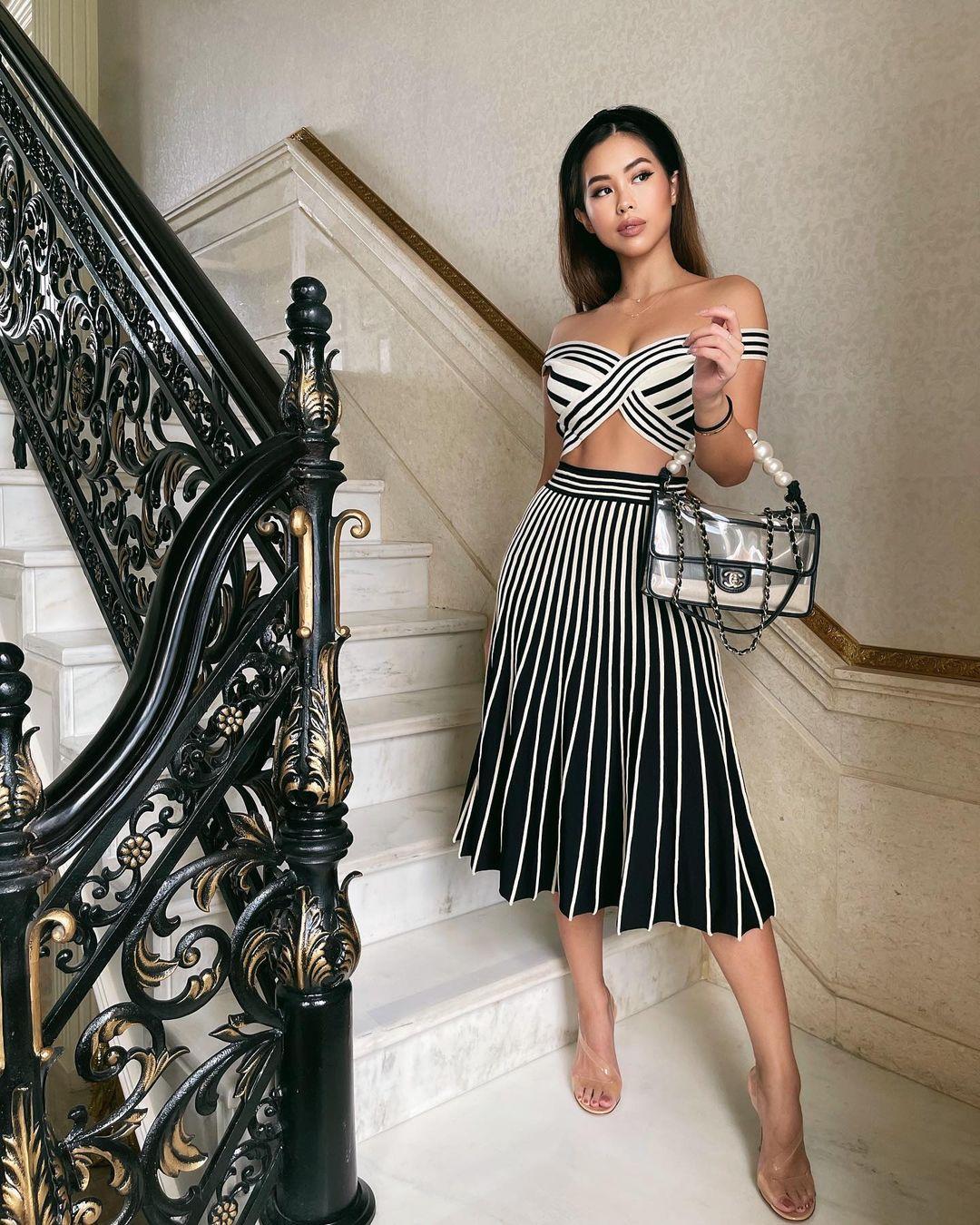 Đẳng cấp thời trang của em chồng Hà Tăng: Diện loạt váy áo cắt xẻ táo bạo đến màu mè rối mắt mà vẫn sang vô cùng - Ảnh 1.