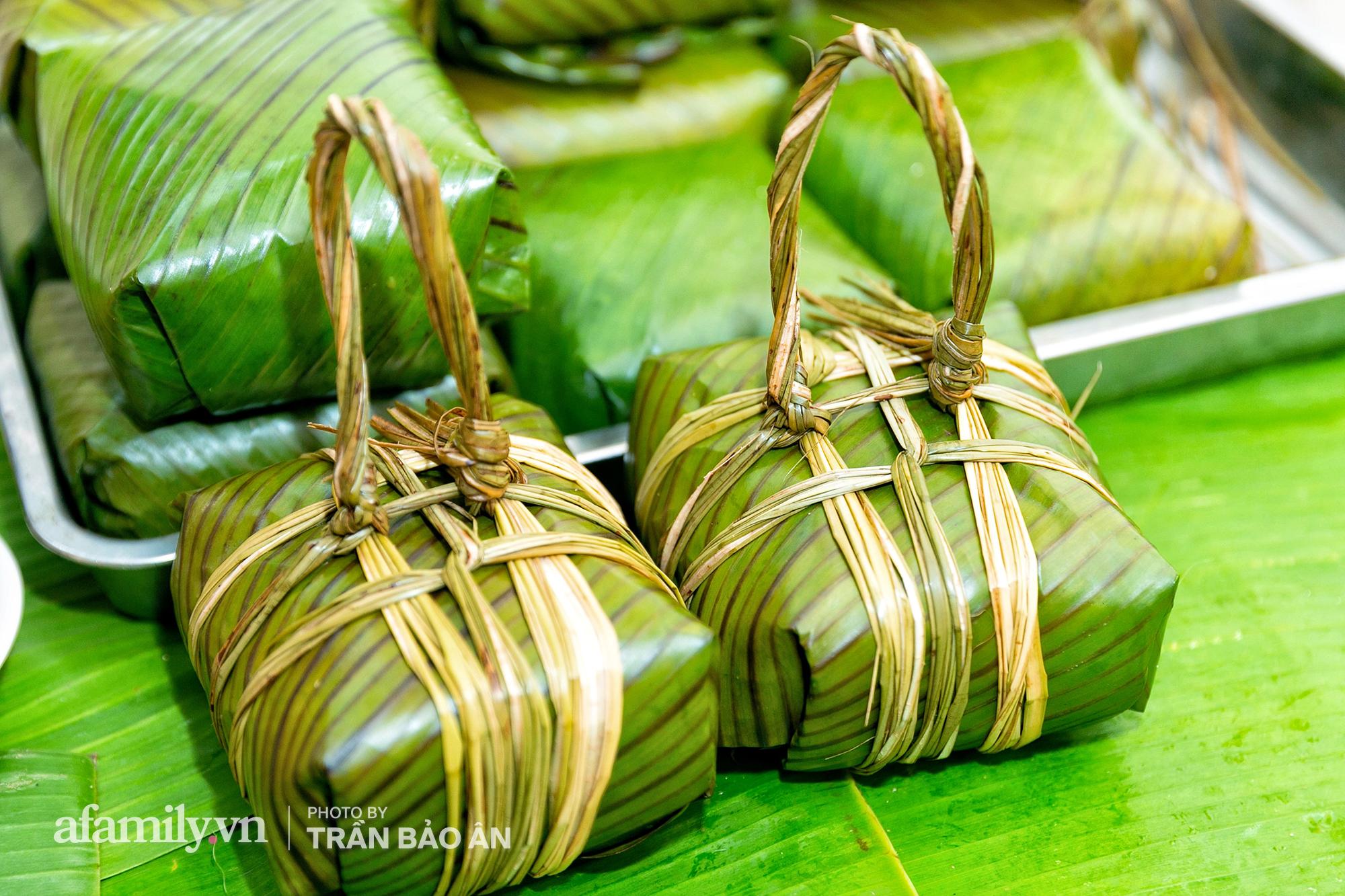 Tết Đoan Ngọ tại lò bánh Bá Trạng lâu đời nhất Sài Gòn, một cặp bánh có giá lên tới 1 triệu đồng với bào ngư, heo quay, sò điệp mà một năm chỉ được ăn duy nhất 1 lần! - Ảnh 12.