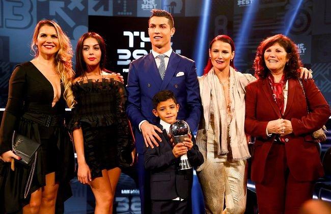 """Bạn thân võ sĩ tiết lộ """"nỗi ám ảnh"""" lớn nhất của Ronaldo về cậu quý tử 10 tuổi sinh ra đã ở vạch đích, thừa hưởng gen nhà nòi - Ảnh 2."""