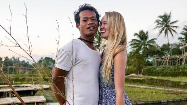 """Cặp đôi """"chồng cú vợ tiên"""" đình đám châu Á: Từ hôn lễ bị dư luận buông lời cay nghiệt đến cuộc sống hiện tại đẹp như mơ với trái ngọt đầu tiên - Ảnh 2."""
