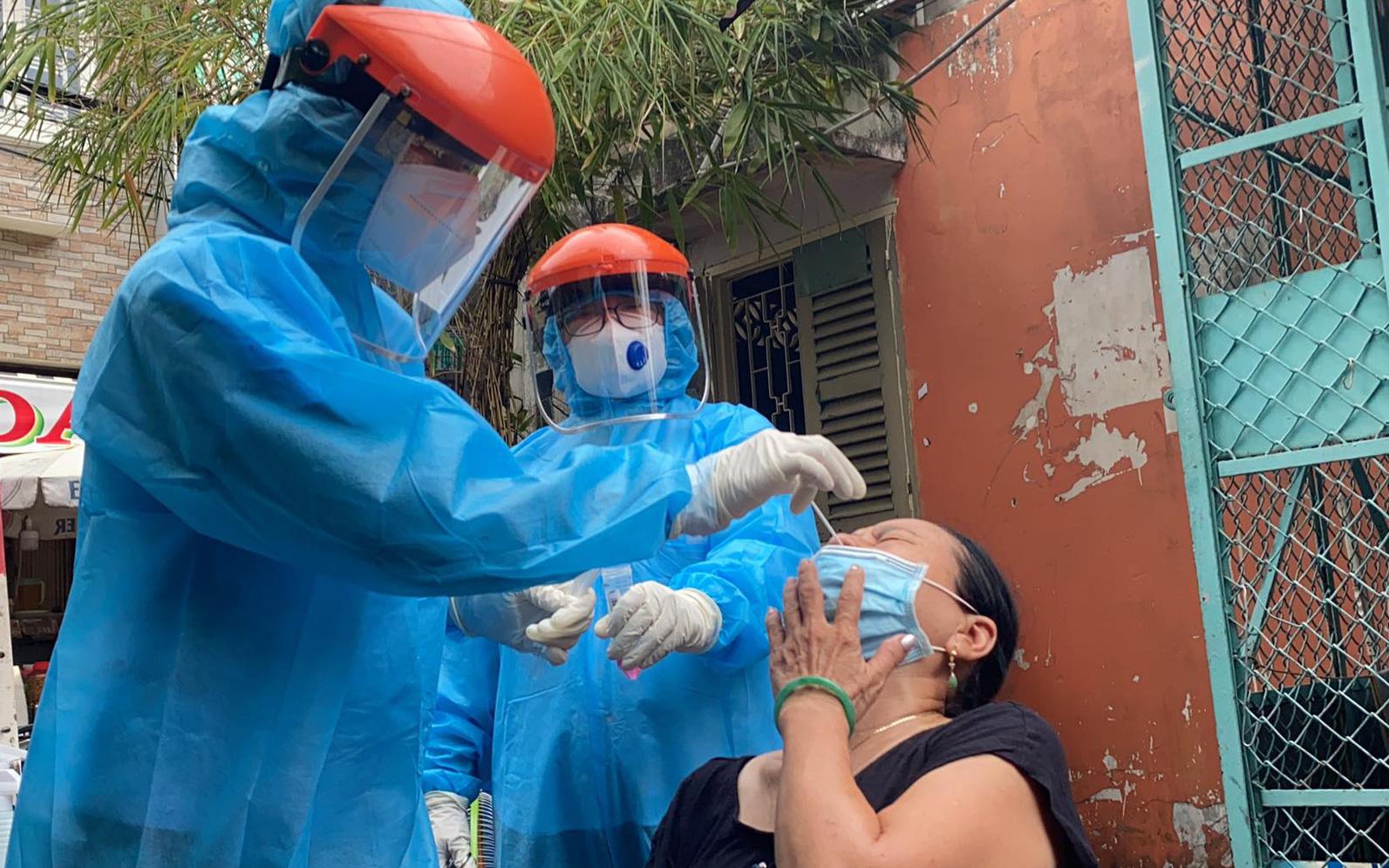 Trưa 18/6: Việt Nam thêm 121 ca mắc COVID-19 mới, TP.HCM có 59 bệnh nhân