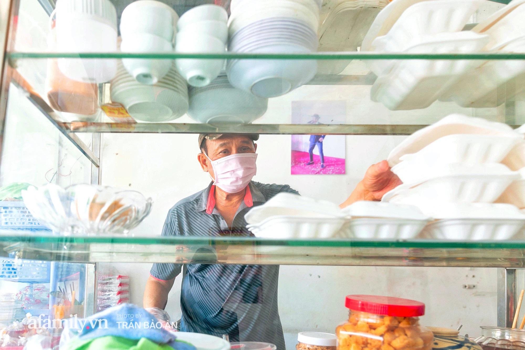 Quán bánh bèo chén của nghệ sĩ Duy Phương: Có người lặng lội đi hơn 20km để mua về và gặp ông chủ, xúc động hình ảnh 4 người con được treo ở nơi sáng nhất  - Ảnh 5.
