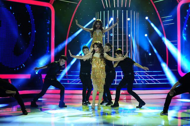 Clip sốc Phương Mỹ Chi nhảy múa sexy trên truyền hình bị đào lại nhưng vẫn được fan bênh vực vì lý do này - Ảnh 6.
