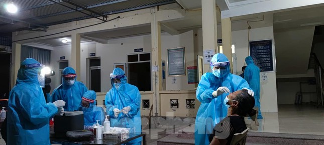 Nghệ An xác định được 5 nguồn lây nhiễm của 20 ca dương tính SARS-CoV-2 - Ảnh 1.
