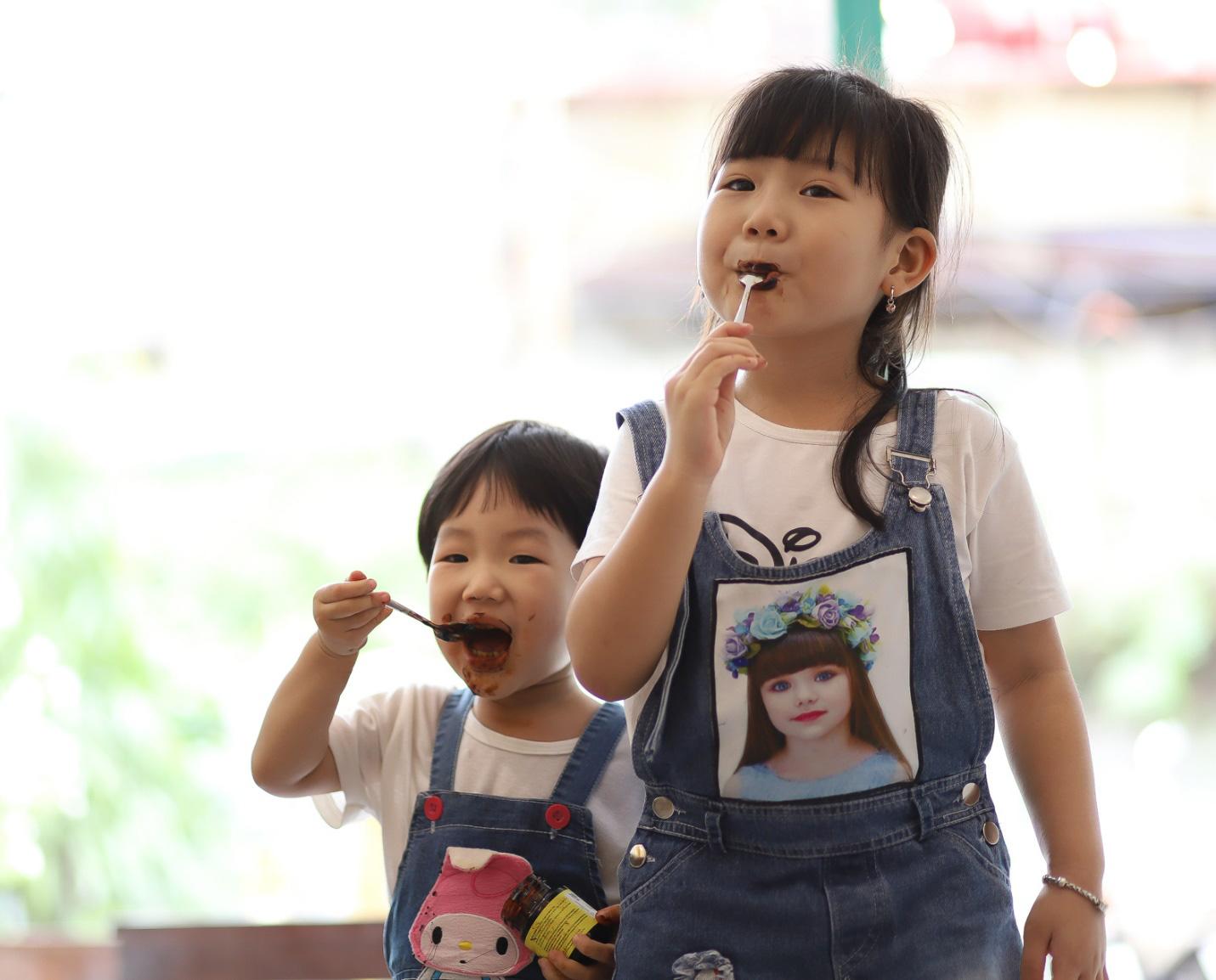 Cách lựa chọn thực phẩm tăng đề kháng, hỗ trợ giảm ho cho bé trong mùa dịch Covid-19 - Ảnh 2.