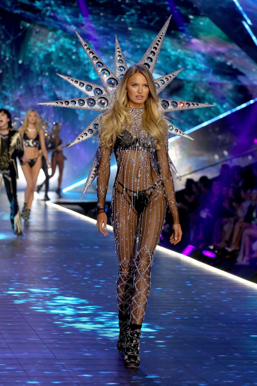 5 lí do đế chế nội y Victorias Secret sụp đổ: Buôn bán và tiếp thị tình dục, phân biệt phụ nữ, thiên vị chị em Gigi và Kendall? - Ảnh 6.