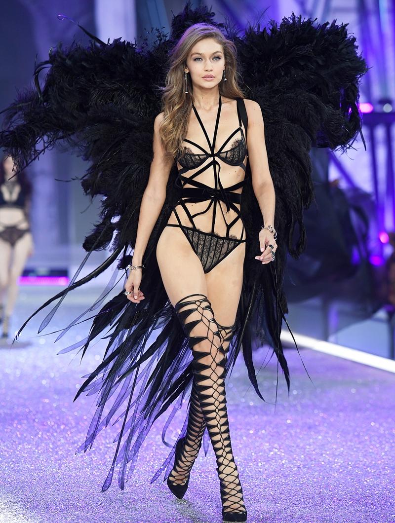 5 lí do đế chế nội y Victorias Secret sụp đổ: Buôn bán và tiếp thị tình dục, phân biệt phụ nữ, thiên vị chị em Gigi và Kendall? - Ảnh 12.