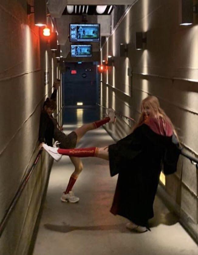 Không phải Jisoo hay Jennie, hóa ra Lisa và Rosé mới sở hữu đôi chân xuất sắc, diện quần short đẹp nhất BLACKPINK - Ảnh 4.