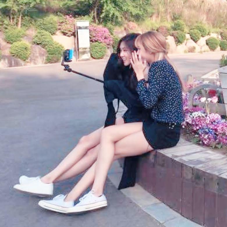 Không phải Jisoo hay Jennie, hóa ra Lisa và Rosé mới sở hữu đôi chân xuất sắc, diện quần short đẹp nhất BLACKPINK - Ảnh 6.