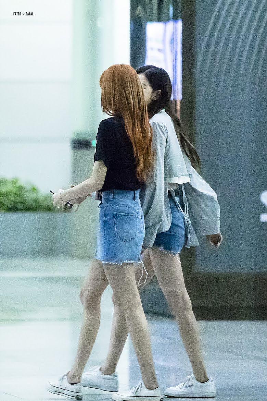 Không phải Jisoo hay Jennie, hóa ra Lisa và Rosé mới sở hữu đôi chân xuất sắc, diện quần short đẹp nhất BLACKPINK - Ảnh 7.