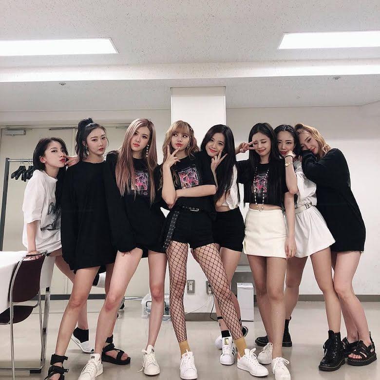 Không phải Jisoo hay Jennie, hóa ra Lisa và Rosé mới sở hữu đôi chân xuất sắc, diện quần short đẹp nhất BLACKPINK - Ảnh 2.