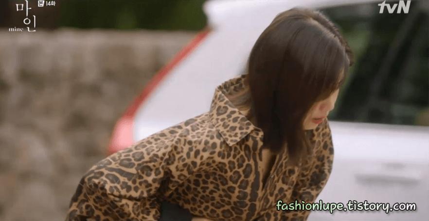 """Son Ye Jin """"thua đau"""" trước Lee Bo Young, từ thần thái đến nhan sắc đều bị dìm kém đẹp - Ảnh 3."""