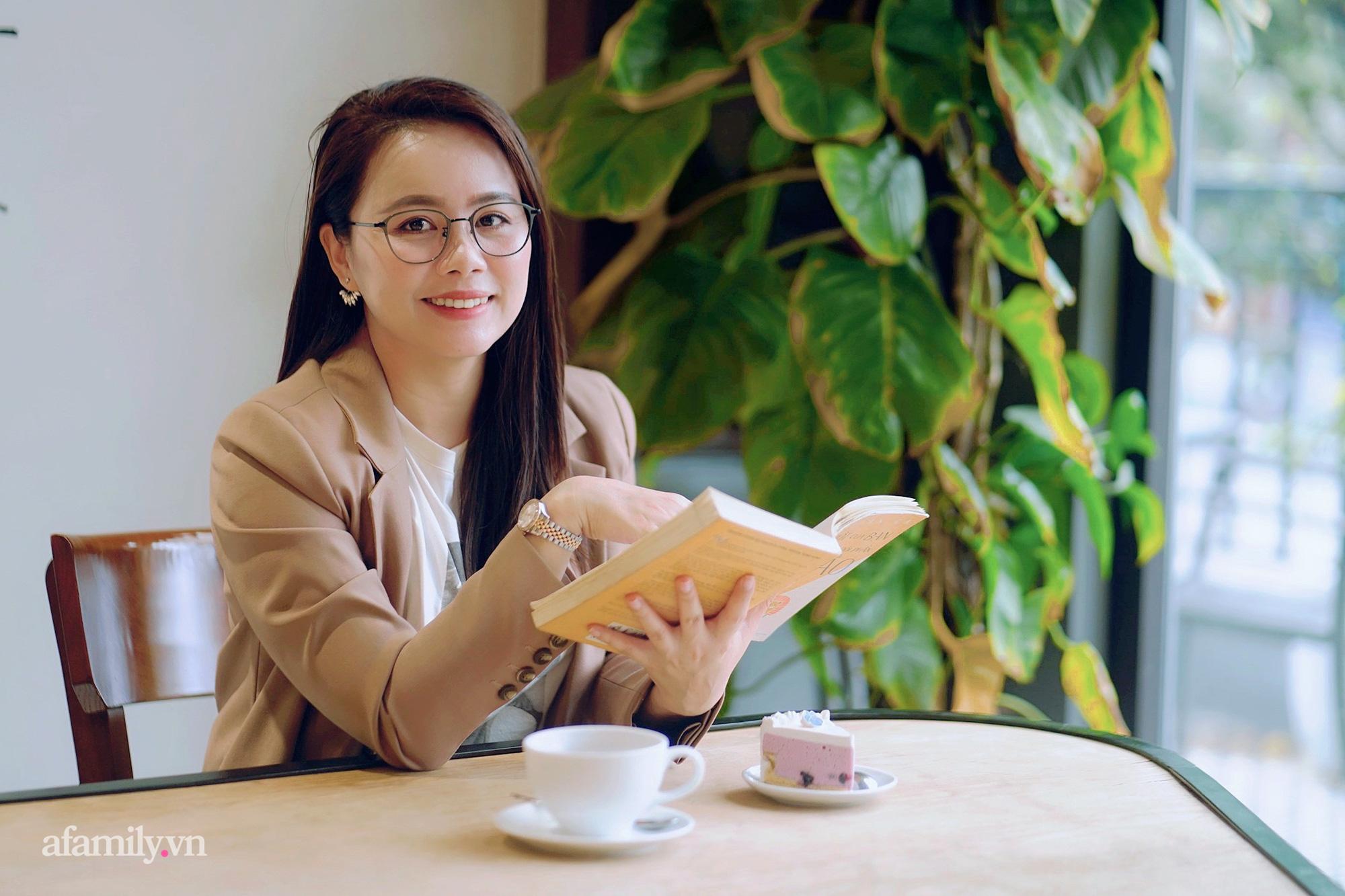 """Ms Hoa TOEIC - cựu sinh viên Ngoại thương trở thành Chủ tịch hệ thống Anh ngữ lần đầu chia sẻ ý nghĩa thực sự của cái tên """"nhìn vậy mà không phải vậy"""" cùng bí mật cuộc sống phía sau sự nổi tiếng  - Ảnh 2."""