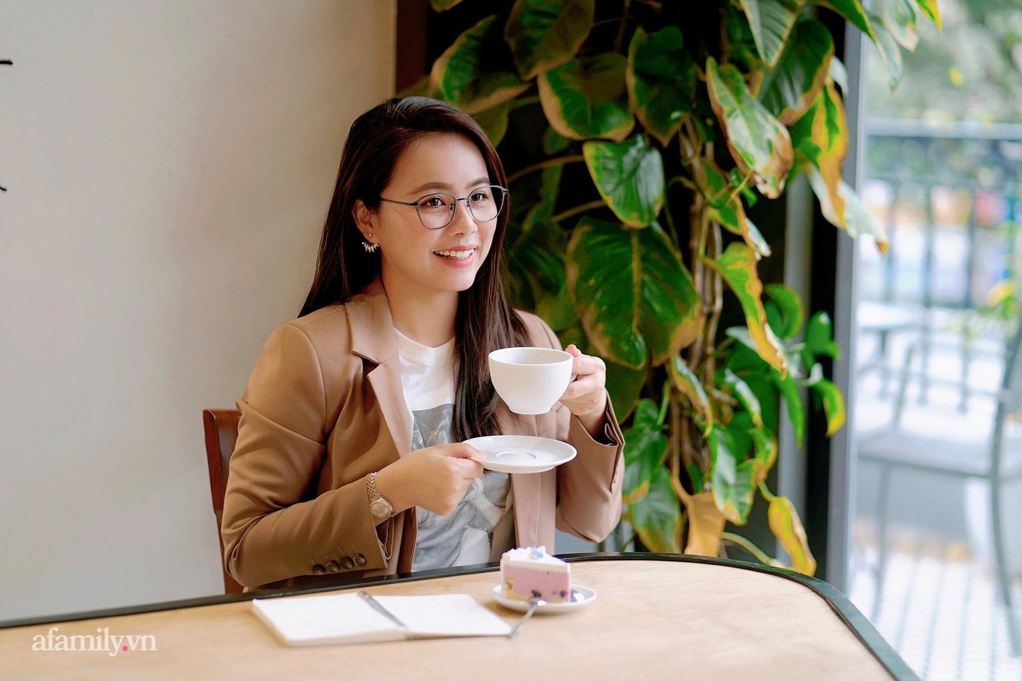 """Ms Hoa TOEIC - cựu sinh viên Ngoại thương trở thành Chủ tịch hệ thống Anh ngữ lần đầu chia sẻ ý nghĩa thực sự của cái tên """"nhìn vậy mà không phải vậy"""" cùng bí mật cuộc sống phía sau sự nổi tiếng  - Ảnh 3."""