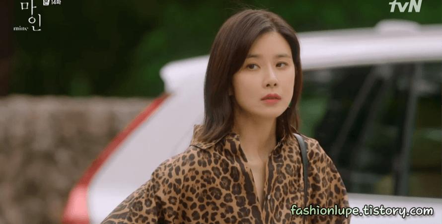 """Son Ye Jin """"thua đau"""" trước Lee Bo Young, từ thần thái đến nhan sắc đều bị dìm kém đẹp - Ảnh 4."""