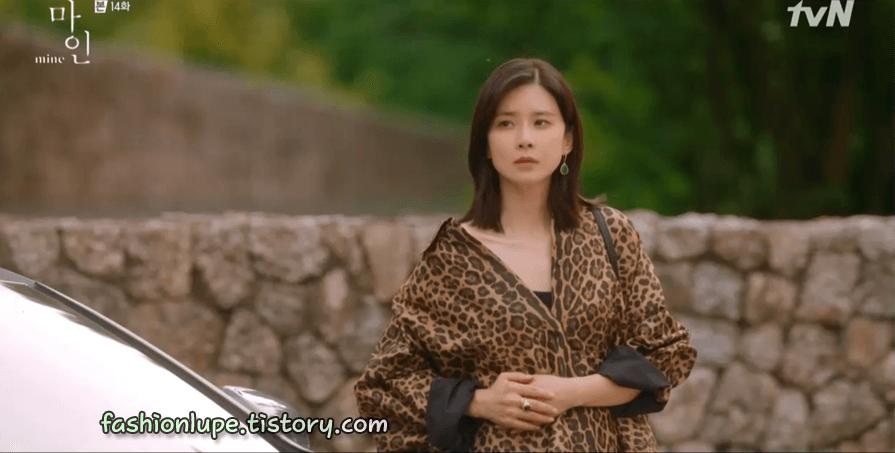 """Son Ye Jin """"thua đau"""" trước Lee Bo Young, từ thần thái đến nhan sắc đều bị dìm kém đẹp - Ảnh 2."""