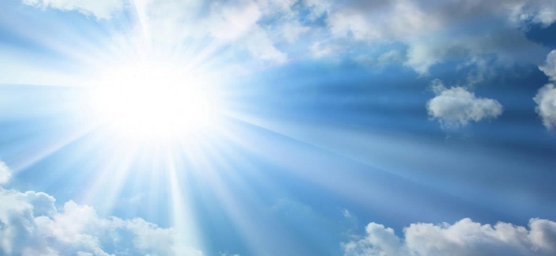 Cách bảo vệ da đơn giản nhất là kết thân với kem chống nắng - Ảnh 1.