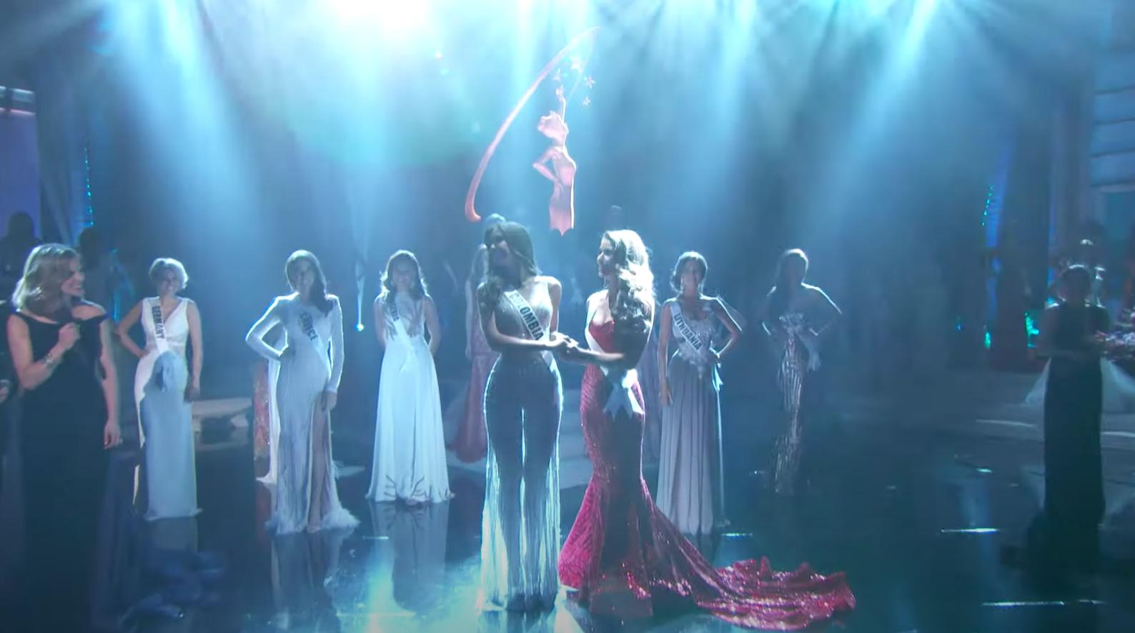 Netizen rần rần vì 1 Hoa hậu vướng sự cố trang phục trên sân khấu, tưởng gặp váy áo phản chủ mà cái kết khiến ai cũng há hốc! - Ảnh 2.