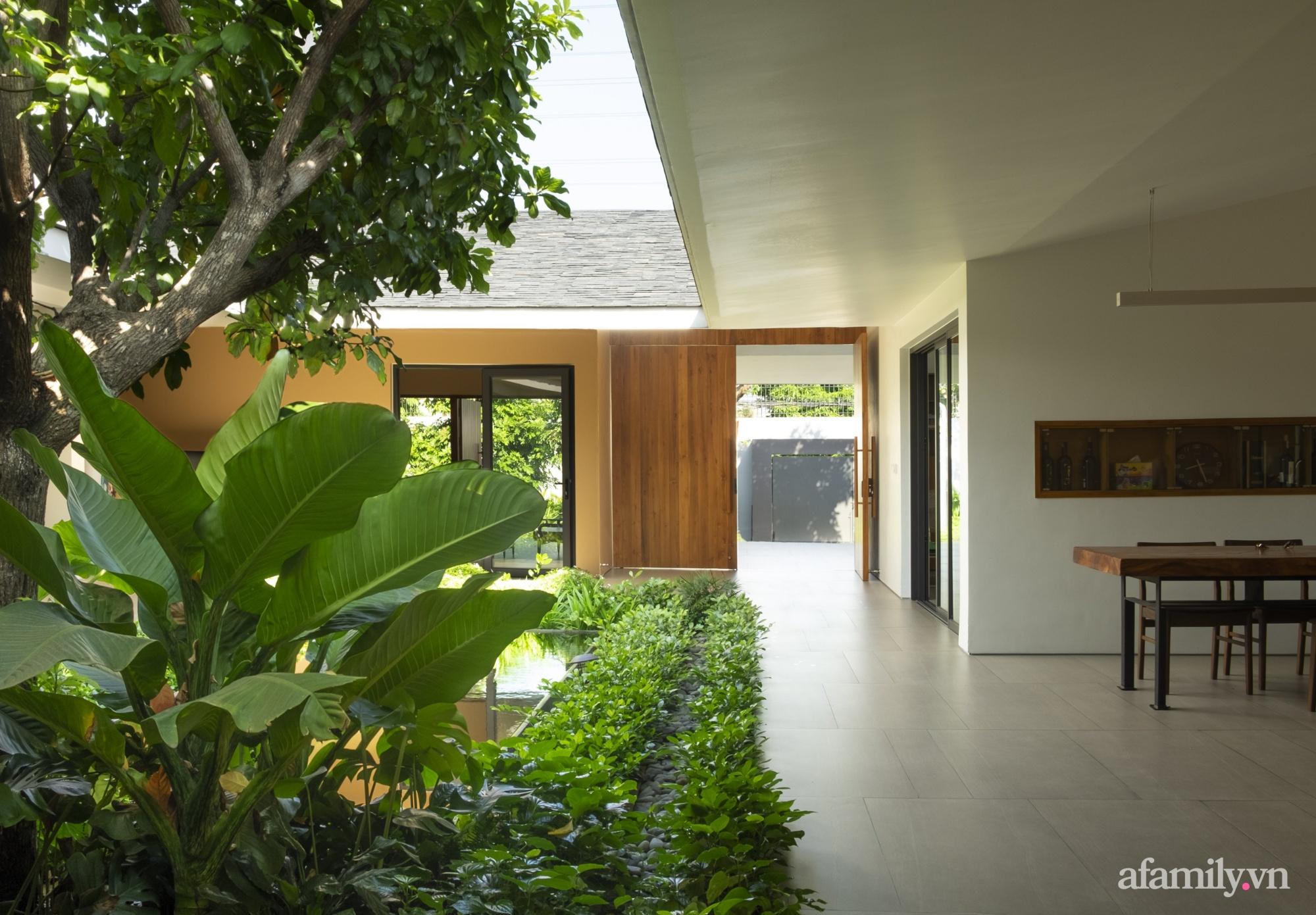 Ngôi nhà rợp mát bóng cây ở ngoại ô Sài Gòn tạo sự gắn kết cho gia đình 3 thế hệ - Ảnh 15.