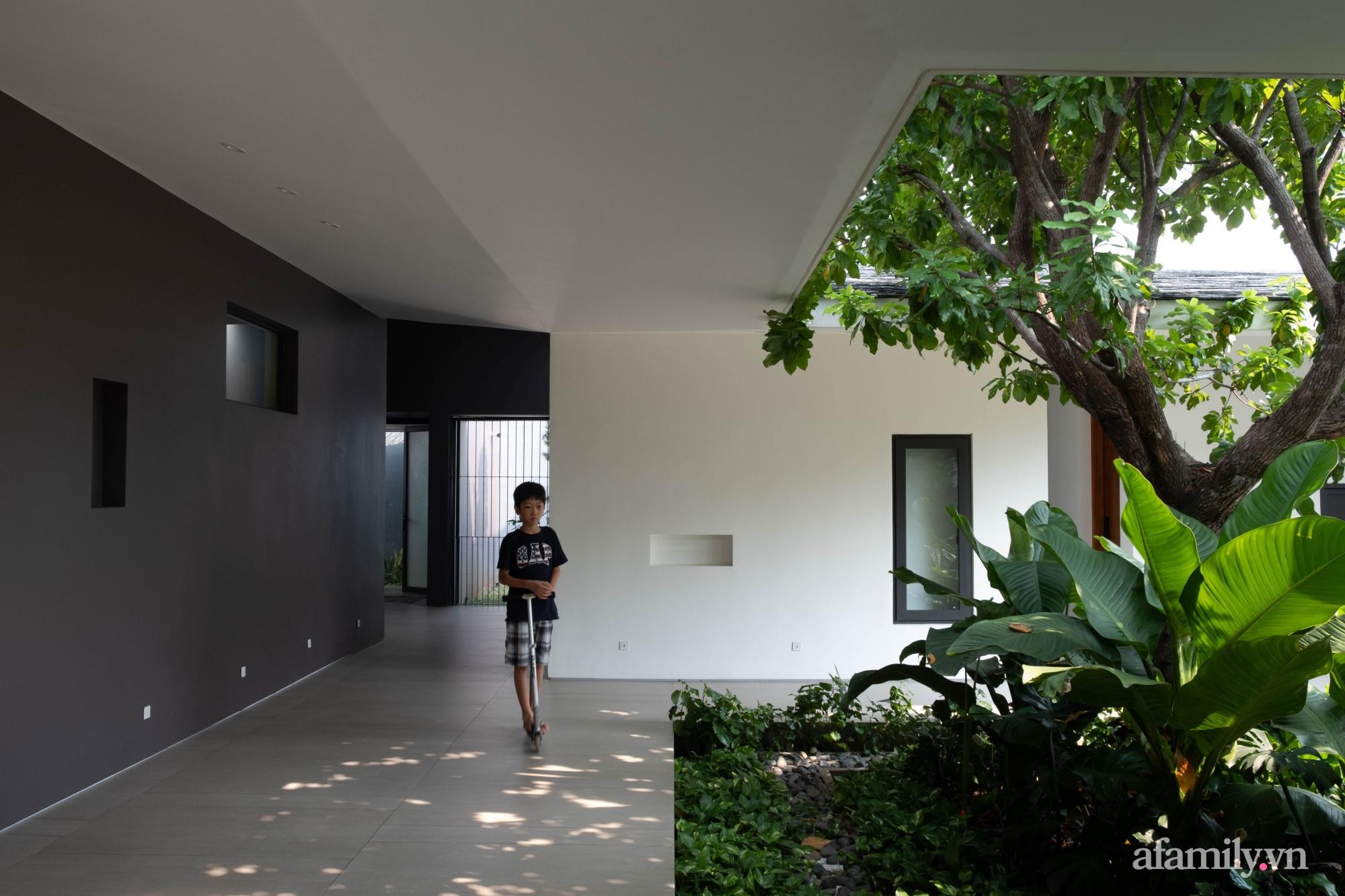Ngôi nhà rợp mát bóng cây ở ngoại ô Sài Gòn tạo sự gắn kết cho gia đình 3 thế hệ - Ảnh 16.