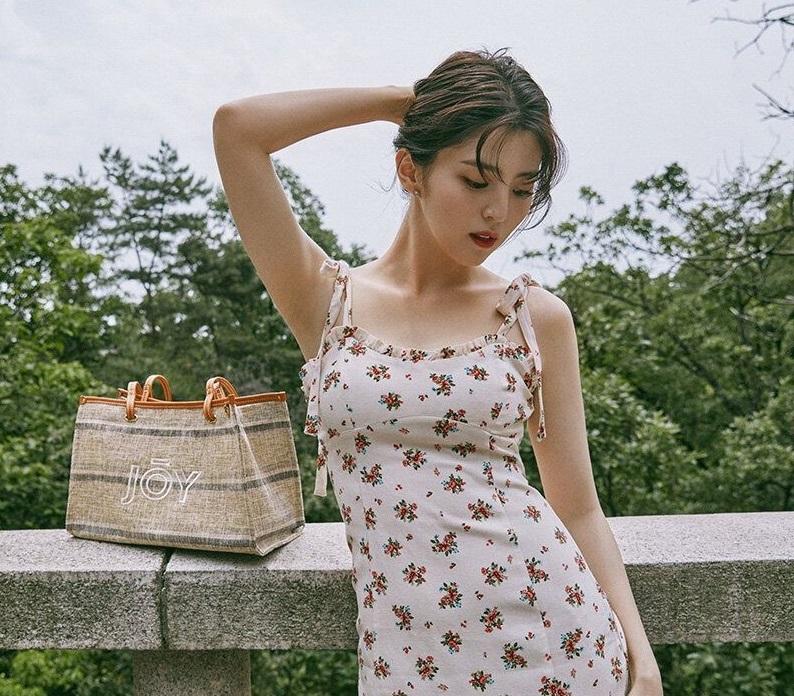 """Han So Hee hay diện đồ Zara giá rẻ, chứng minh khả năng """"sang chảnh hóa đồ bình dân"""" - Ảnh 2."""