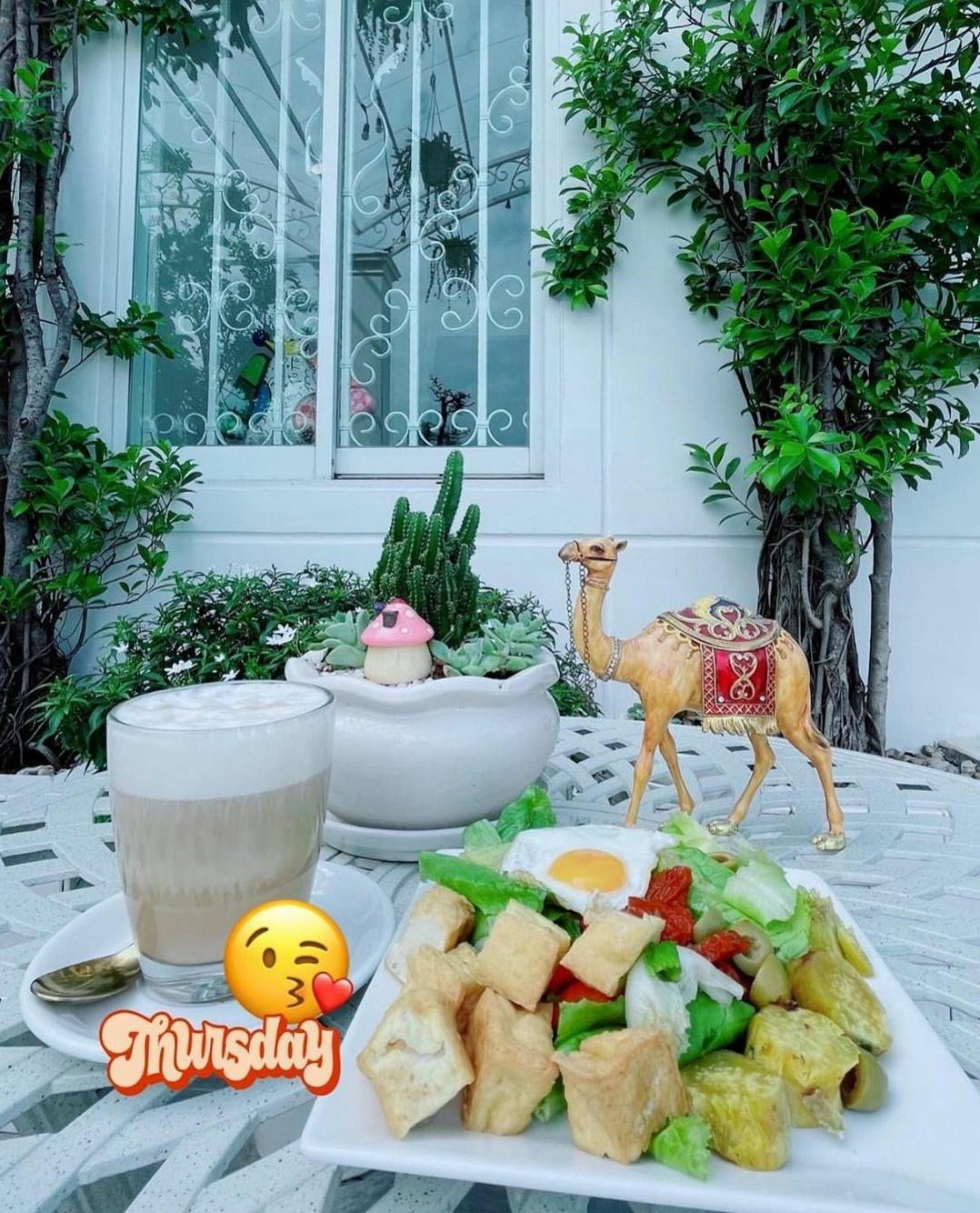 Ngắm ban công nhà Lý Nhã Kỳ mà phát mê: Rộng như sân vườn, đồ đạc tối giản mà lên ảnh đẹp như phim Hàn - Ảnh 5.