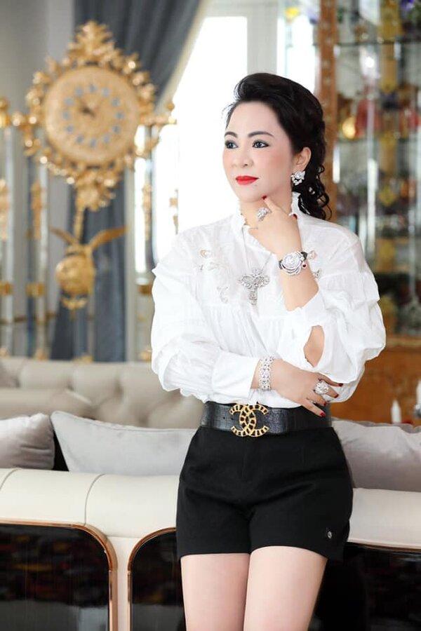 """Bà Nguyễn Phương Hằng tuyên bố kiện ngược lại doanh nhân Lê Thị Giàu: """"Có 100 bà Lê Thị Giàu kiện tôi, tôi cũng không sợ"""" - Ảnh 2."""