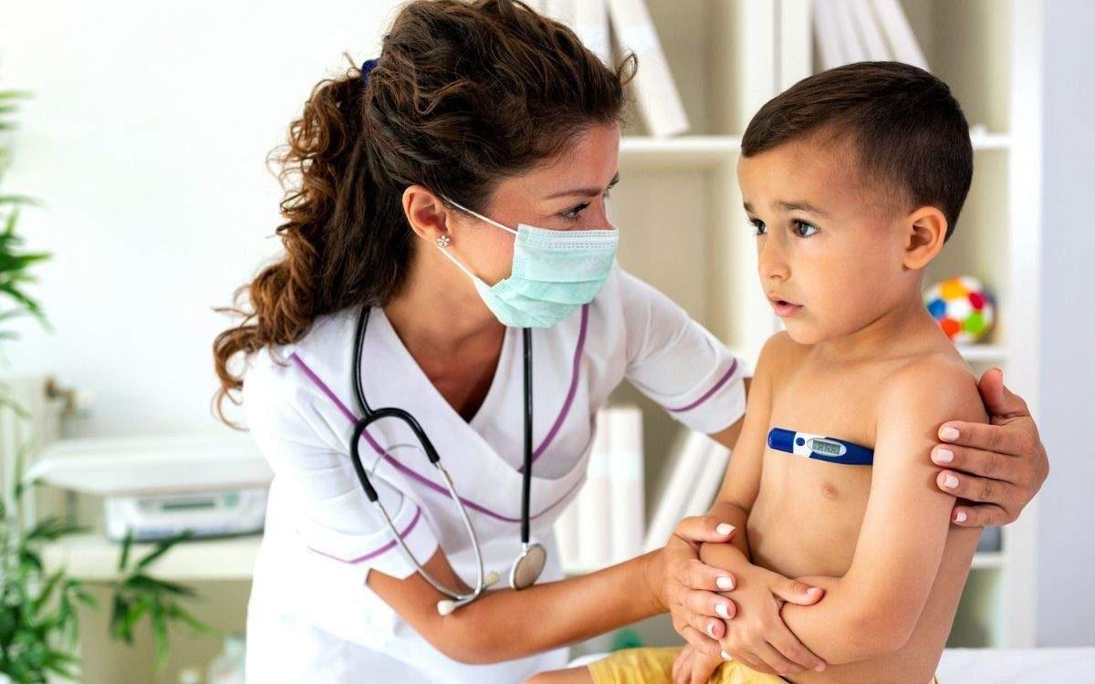 Các triệu chứng COVID-19 phổ biến ở trẻ em cha mẹ cần hết sức lưu ý