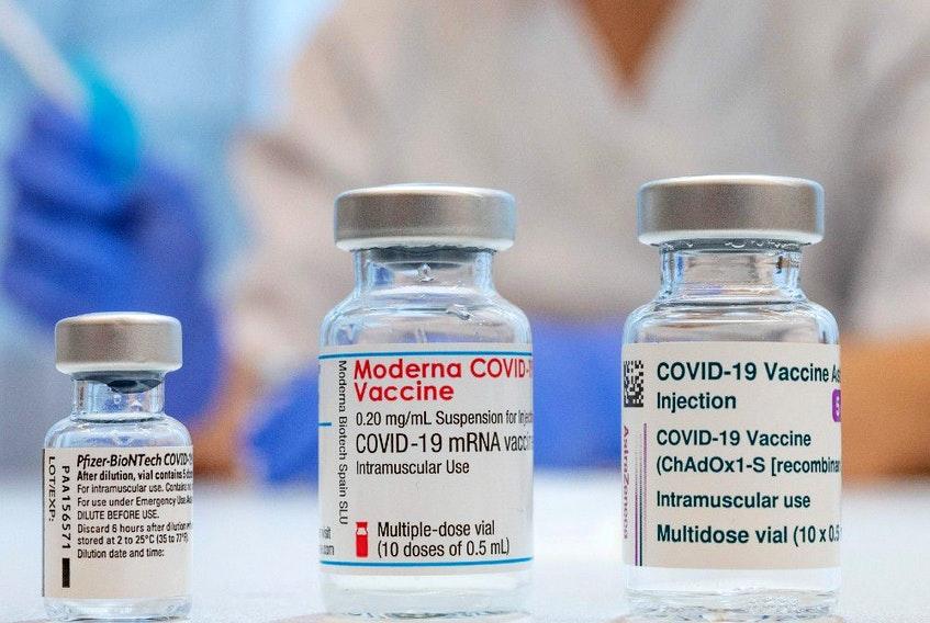 Quốc gia nào cho phép kết hợp các loại vắc xin ngừa COVID-19? - Ảnh 1.