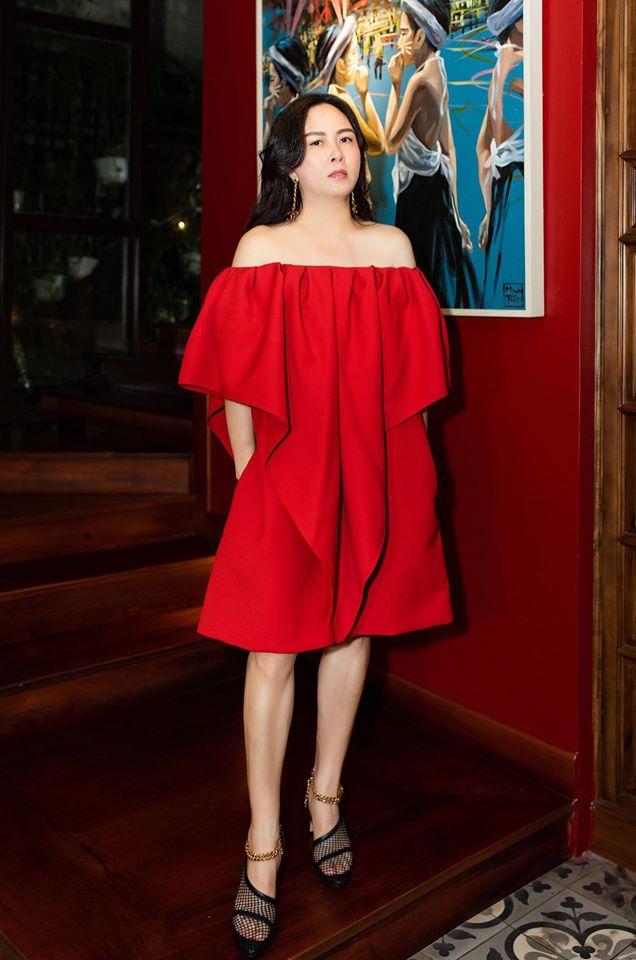 Đã tìm ra công thức diện áo trễ vai giúp nhan sắc Phượng Chanel thăng hạng: Chỉ cần tiết chế một món đồ thôi là khác ngay - Ảnh 5.