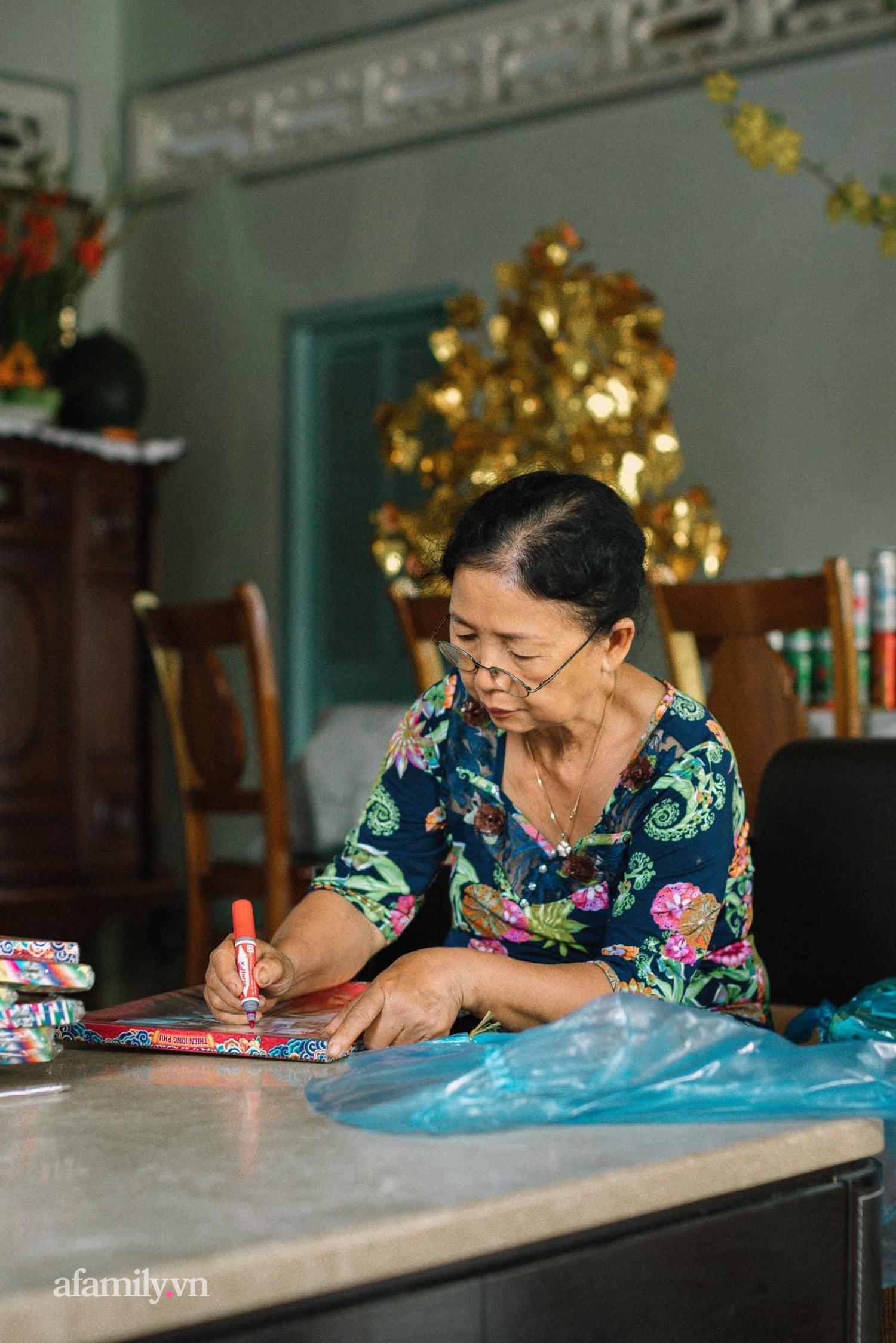 Chui tuốt vô vườn để ăn món GÀ QUAY bằng CHIẾC LU HƠN 100 NĂM tại Cần Thơ, đặc sản nổi tiếng của miền Tây nhưng hot lên tới tận Sài Gòn! - Ảnh 5.