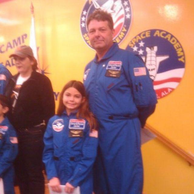 Alyssa Carson: Cô bé 3 tuổi ôm mộng lên sao Hỏa năm nào, chỉ 17 năm sau đã sắp trở thành người trẻ tuổi nhất đặt chân lên vì sao mơ ước - Ảnh 3.