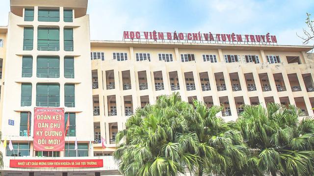 Trường ĐH ở Hà Nội có giảng viên là Hoa hậu Việt Nam đình đám: Không gian xanh mướt cực thơ, muốn đỗ thì học toát mồ hôi  - Ảnh 1.