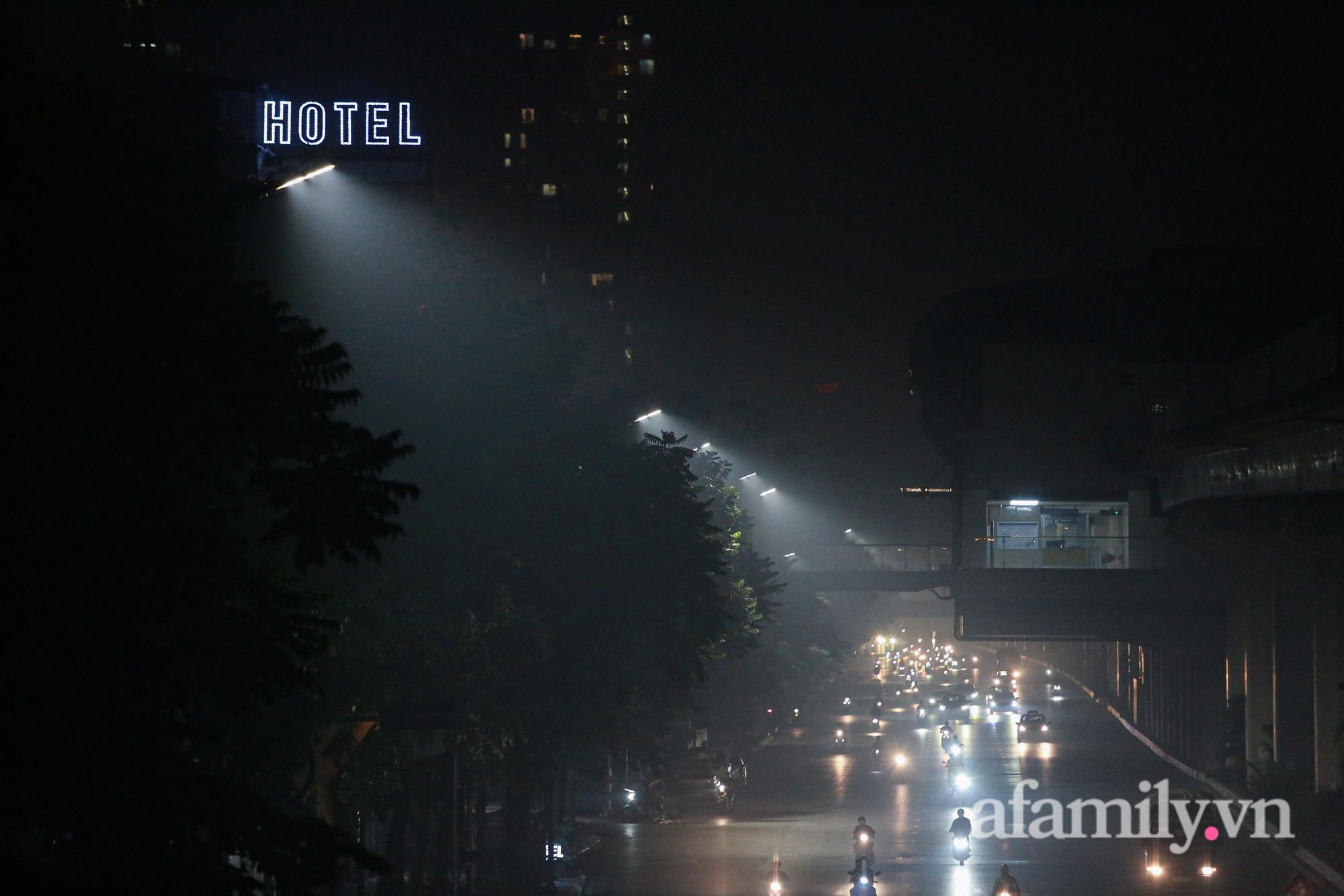 Bầu trời Hà Nội mù mịt giữa đêm khuya  - Ảnh 5.