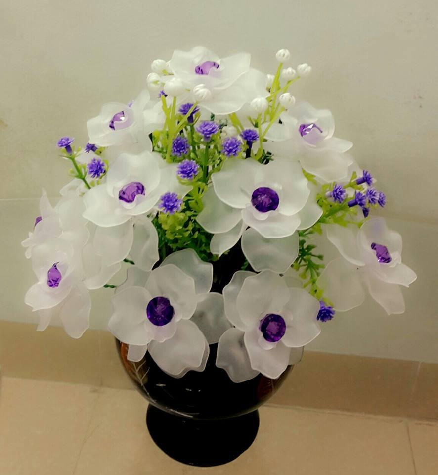 Không khéo tay cắm tay hoa tươi thì chọn ngay những loại hoa giả trang trí nhà cửa này, khách đến chơi ai cũng khen tấm tắc - Ảnh 6.