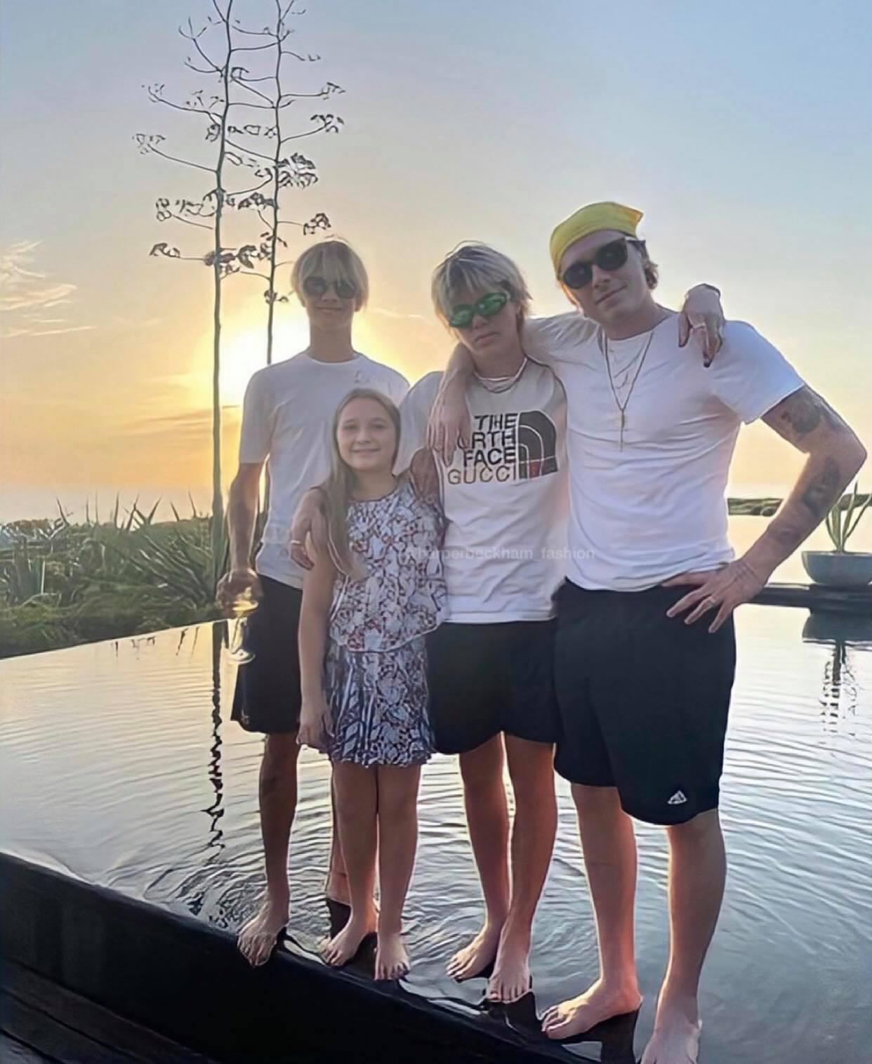 Cô út Harper Beckham sống ảo bên hồ thiên nga trong nhà nông thôn 195 tỷ, góc chụp dìm mà nhan sắc cân hết đỉnh ghê - Ảnh 6.