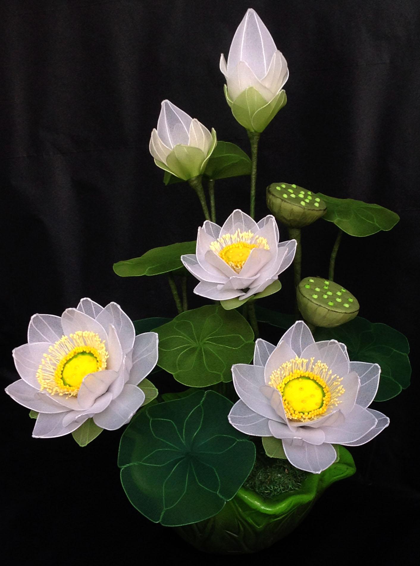 Không khéo tay cắm tay hoa tươi thì chọn ngay những loại hoa giả trang trí nhà cửa này, khách đến chơi ai cũng khen tấm tắc - Ảnh 5.