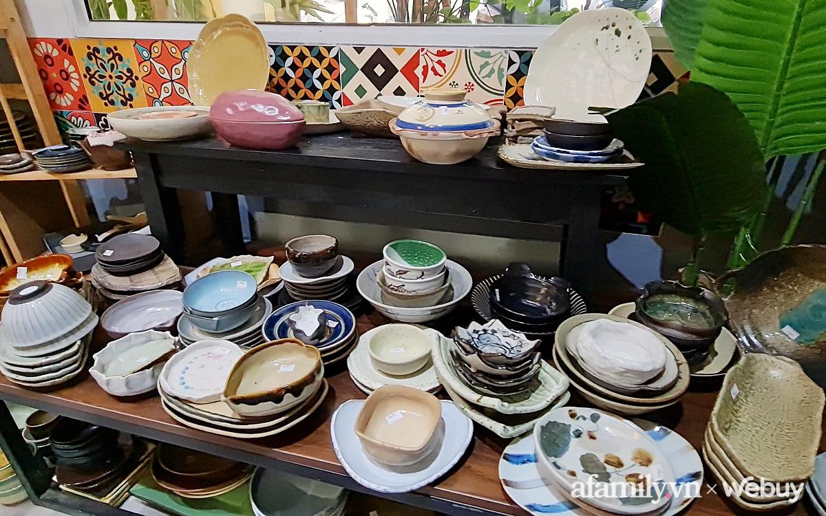 Ghé tiệm gốm mộc nhỏ xinh trong ngõ phố Thái Hà lựa được đủ thứ đồ bếp, trang trí là lạ, hiếm có khó tìm