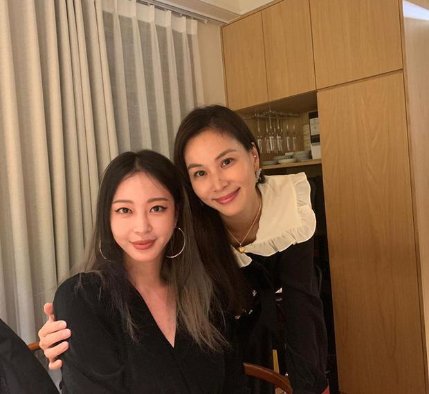 """Choi Ji Woo và bà xã Jang Dong Gun bị gọi tên trong vụ bạn trai """"kiều nữ xứ Hàn"""" Han Ye Seul làm việc tại quán karaoke - Ảnh 4."""