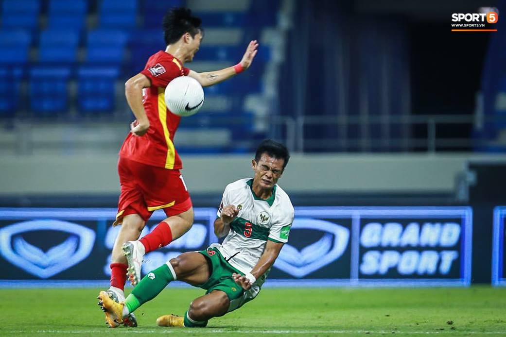 Tuyển Việt Nam chốt đơn 4-0 trước Indonesia, giữ vững ngôi đầu tại vòng loại World Cup 2022 - Ảnh 1.