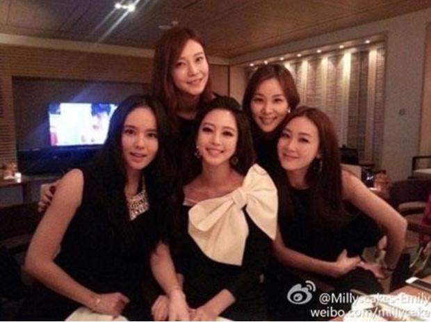 """Choi Ji Woo và bà xã Jang Dong Gun bị gọi tên trong vụ bạn trai """"kiều nữ xứ Hàn"""" Han Ye Seul làm việc tại quán karaoke - Ảnh 3."""