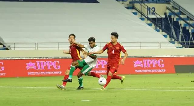Cay đắng như dân mạng Indonesia sau trận thua muối mặt trước Việt Nam: Alex Ferguson cũng không cứu nổi, nếu có thể thua sao lại phải... thắng? - Ảnh 3.