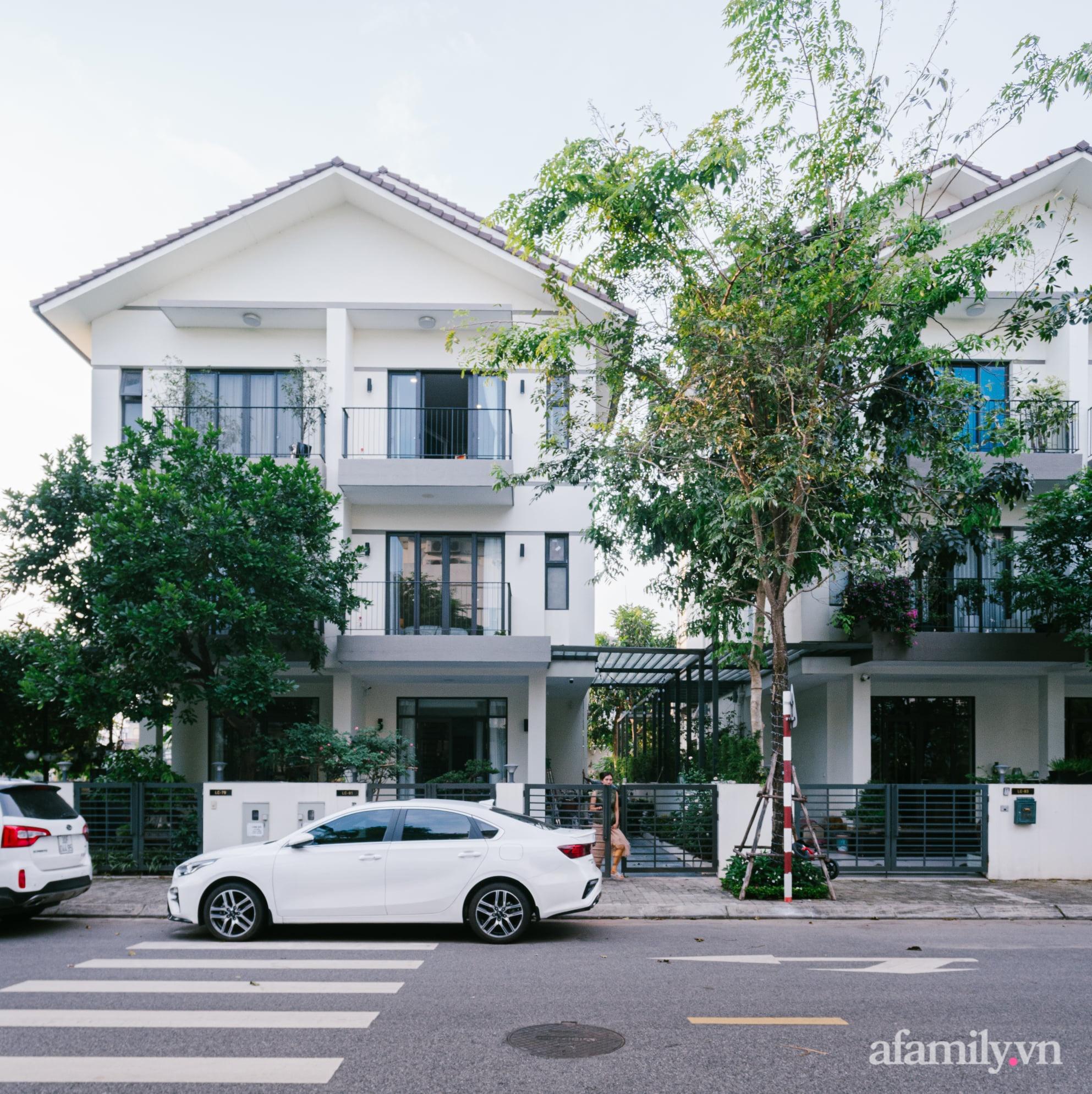 Nhà phố 3 tầng đẹp sang trọng với nội thất cực chất theo phong cách Traditional ở Hà Nội - Ảnh 1.