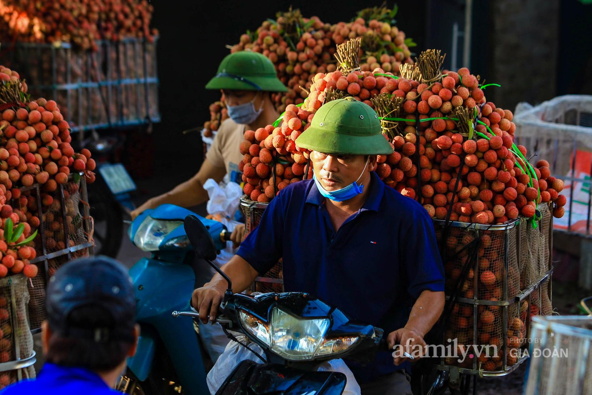 Chợ vải Bắc Giang nhộn nhịp vào mùa - Ảnh 7.