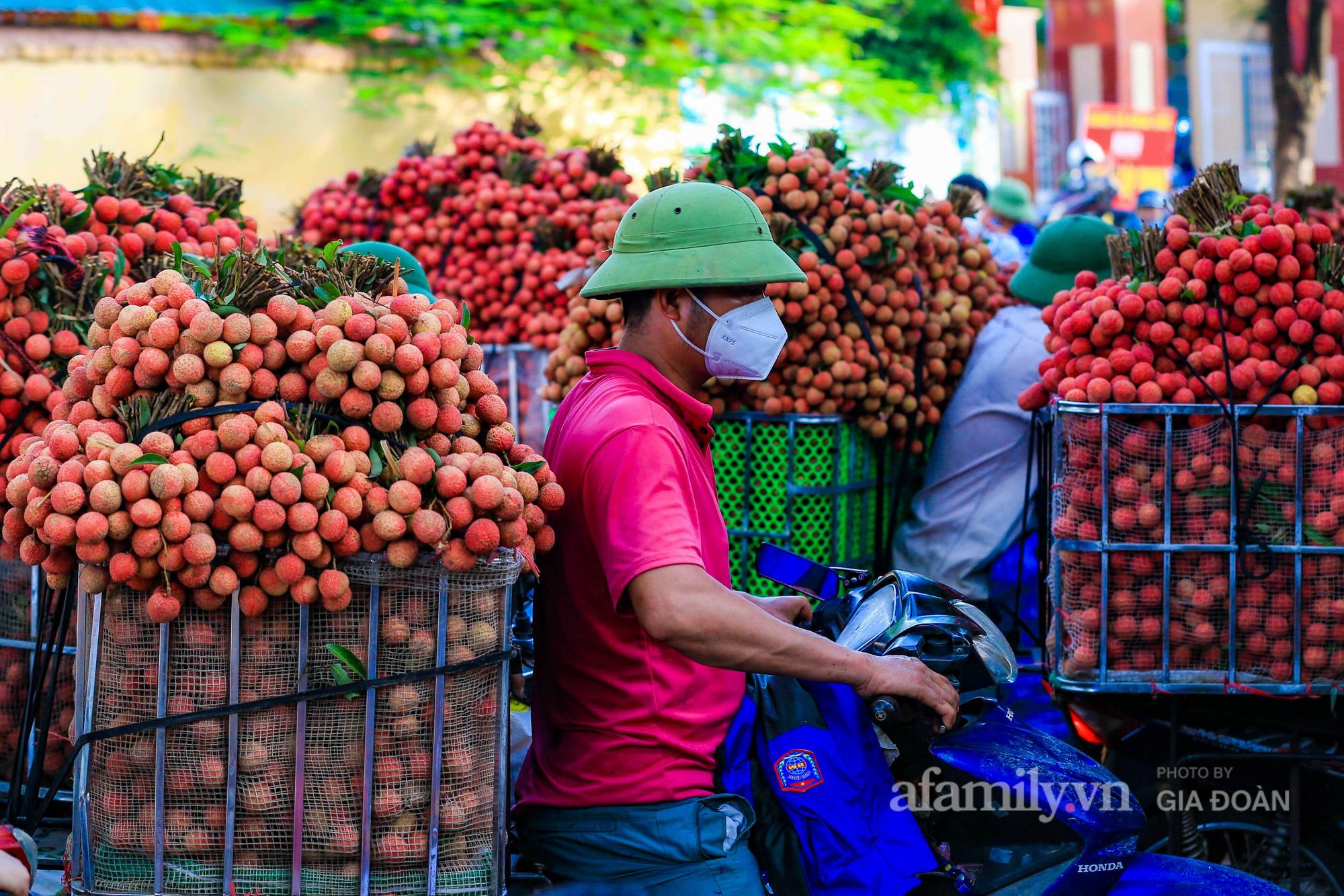 Chợ vải Bắc Giang nhộn nhịp vào mùa - Ảnh 10.