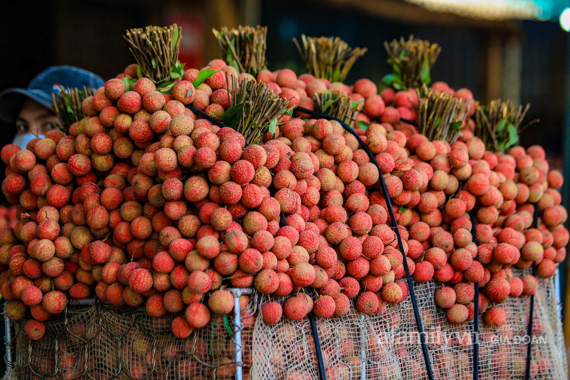 Chợ vải Bắc Giang nhộn nhịp vào mùa - Ảnh 15.