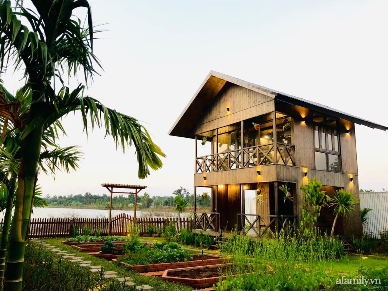 Căn nhà gỗ bình yên hướng tầm nhìn ra hồ nước trong veo, thơ mộng ở Buôn Mê Thuột - Ảnh 6.