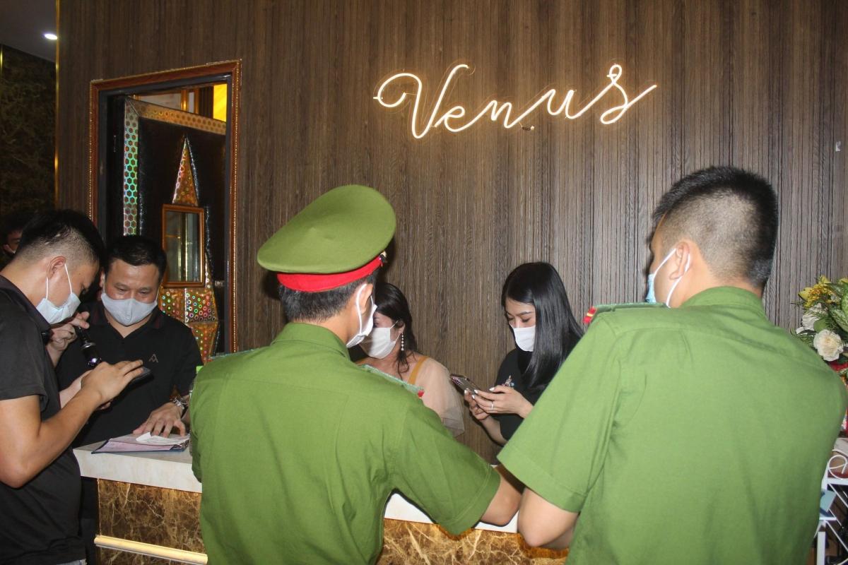 Hà Nội • Việt Nam • Cầu Giấy